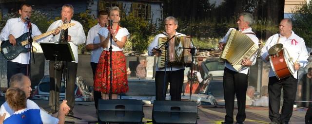Jednym z zespołów, który da występ podczas sobotniego pikniku w Leśnicy jest Kapela Heńka.