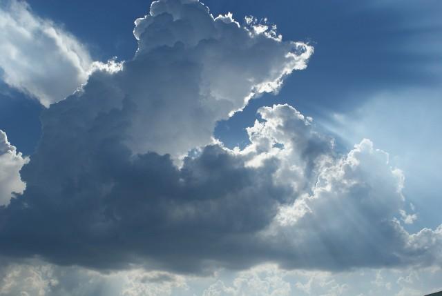 Pogoda na majówkę 2019: Nadciągają burze. Szykuje się deszczowa majówka? Zobacz prognozę na majówkę [30.04.2019]