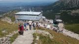 Kasprowy Wierch. Tłum turystów na szczycie, na szlakach spokojniej [ZDJĘCIA]