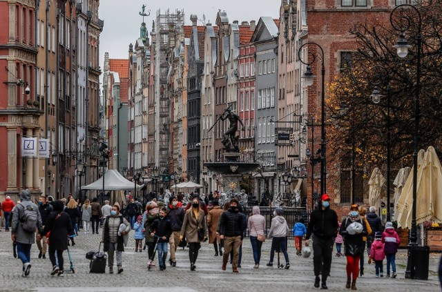 1 grudnia w Polsce na godzinę zgaśnie światło. Zdaniem samorządowców, rząd zabiera samorządom wpływy