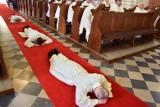 """Podlaskie. """"Księża nie biorą się z księżyca"""". Dramatycznie niska liczba nowych święceń kapłańskich"""