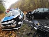 Wypadek w Dusocinie. Radiowóz zderzył się z osobówką. Ranni policjanci! [zdjęcia]