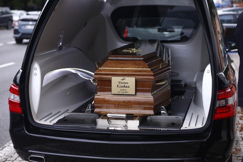 Pogrzeb Wiesława Gołasa. Popularny aktor spoczął w grobie rodzinnym na warszawskich Powązkach