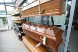 Pracownik firmy ubezpieczeniowej fałszował akty zgonu. Wyłudził 660 tys. zł