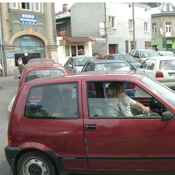 Plac Żwirki i Wigury. Na tym parkingu będą pobierane opłaty.