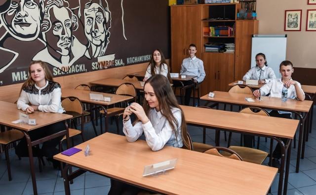 15.04.2019 bydgoszcz egzamin osmoklasisty - poniedzialek sp 31 ulica karlowicza  fot.dariusz bloch/polska press
