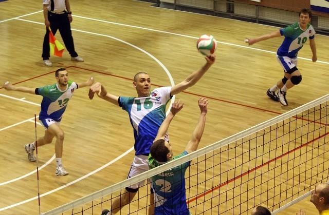 Morze ma szanse na awans do pierwszej ligi. Atakuje Marcin Bachmatiuk.