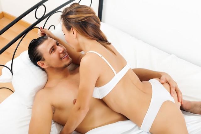 Mediana ogólnopolska godzinowego wynagrodzenia panów świadczących usługi seksualne to 150 zł. Z kolei za noc mediana wynagrodzeń wynosi 1 000 zł. Najczęściej spotykaną kwotą jest 100 zł (33% przypadków). Kolejne stawki to 150 zł (26%) oraz 200 zł (16%).