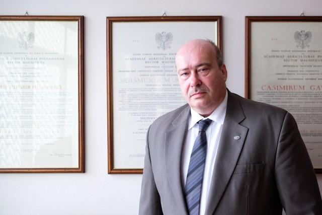 Profesor Piotr Ślósarz