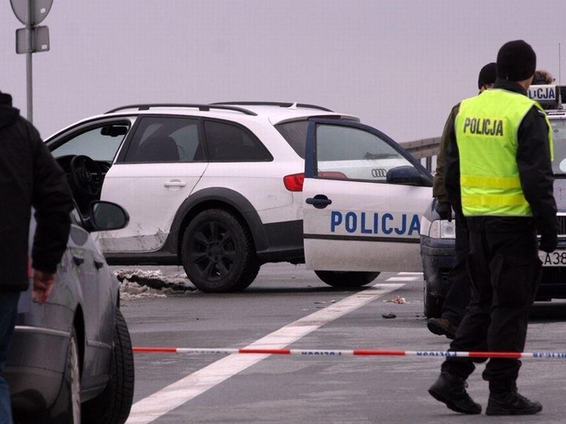 Podczas pościgu za złodziejem samochodów śmiertelnie postrzelony został policjant