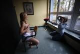 Nagie lekarki w kalendarzu 2020 Śląskiej Izby Lekarskiej zachęcają kobiety do badań profilaktycznych piersi