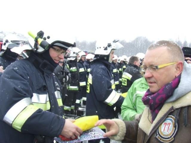 Fundacja WOŚP przekazała sprzęt strażakom z terenów zalewowych.