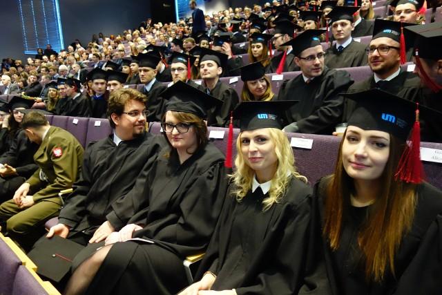 Jedna z uroczystości rozdania dyplomów absolwentom Uniwersytetu Medycznego w Łodzi