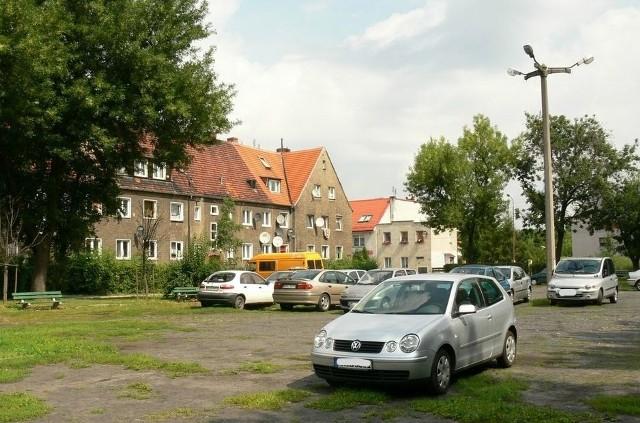 Plac Mongolski na Brochowie we Wrocławiu stanie się małym parkiem.