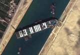 Kanał Sueski wreszcie zostanie udrożniony? Statek blokujący morską trasę poruszył się i ma uwolniony ster oraz śrubę