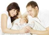 Urlop rodzicielski: wniosek o urlop macierzyński i rodzicielski. Urlop dla matki i ojca ile trwa? Czy urlop wpisuje się w świadectwie pracy?
