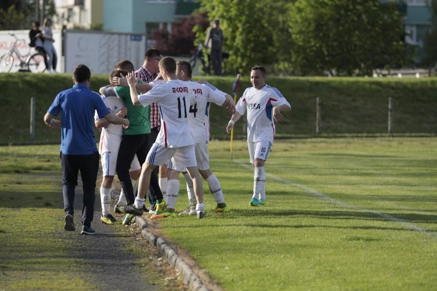 Trzy punkty zainkasowane przez piłkarzy Polonii Nysa sprawiły, że mieli dużo powodów do radości.