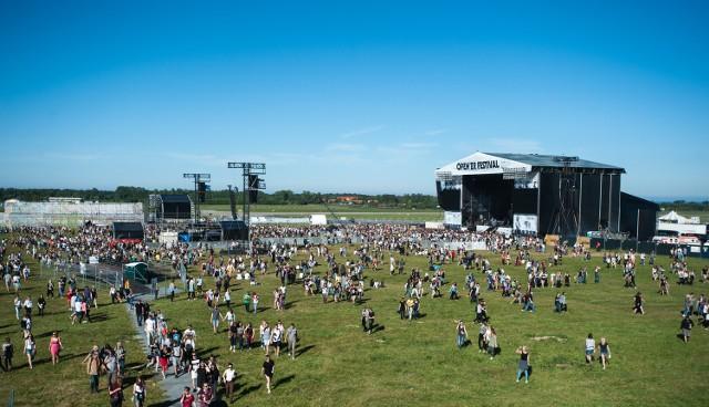 Na  scenie głównej festiwal otworzył zespół Kodaline.http://get.x-link.pl/cf9661e4-c1a7-7338-12dd-328954f2eb7f,cbeef5e2-aadf-108d-9441-557154d3f019,embed.html