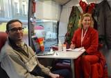 Opolanie dzielili się z potrzebującymi krwią w dniu św. Mikołaja. Akcja na Rynku w Opolu