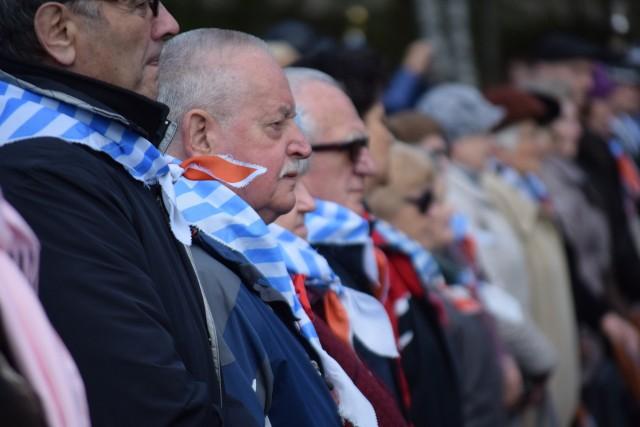 75. rocznica oswobodzenia KL Stutthof będzie szczególna. Pod Pomnikiem Walki i Męczeństwa zabraknie m.in. przesłania byłych więźniów do młodszych pokoleń. Świadkom Historii można jednak oddać hołd w inny sposób.