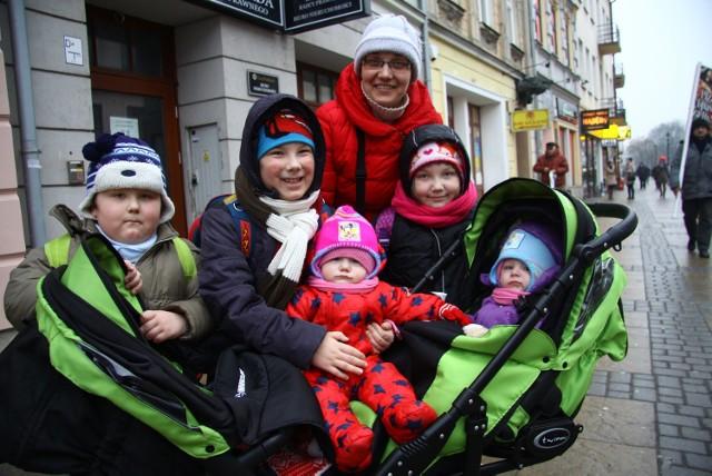 Pani Kasia ma piątkę dzieci i jak zapewnia, zamierza skorzystać z dodatku na ich wychowanie