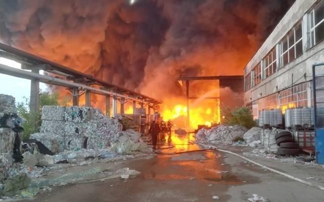 W maju spłonęło  składowisko odpadów przy dawnym zakładzie Boruta w Zgierzu.