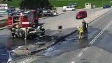 Wypadek na DK 75. Po zderzeniu z ciężarówką osobówka zamieniła się w pochodnię