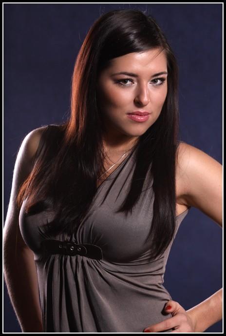 Katarzyna Maksymiuk w konkursie Miss Podlasia 2009 startuje z numerem 5.