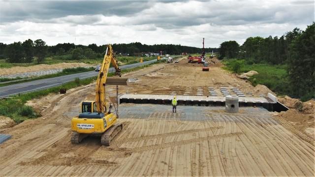 Tak na przełomie czerwca i lipca przebiegały prace na odcinkach drogi ekspresowej S5 w województwie kujawsko-pomorskim.Przejdź do następnego zdjęcia ------>
