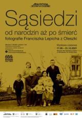 """Niezwykła wystawa fotograficzna w skansenie w Opolu. """"Sąsiedzi. Od narodzin aż po śmierć"""""""