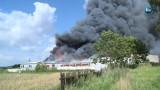 Pożar w stolarni w Wysocku Małym koło Ostrowa. Trzy osoby zostały ranne [WIDEO]