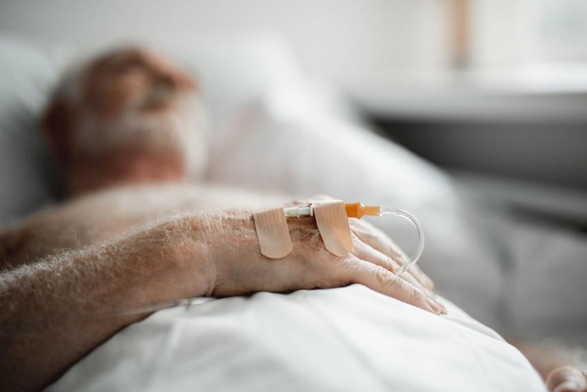 Śmiertelność pacjentów leczonych w szpitalach zależy nie...