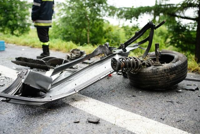 W miejscu wypadku lądował śmigłowiec Lotniczego Pogotowia Ratunkowego.Do godz. 16.30 dk 48 w miejscu wypadku była zablokowana. Policja kierowała na objazdy.
