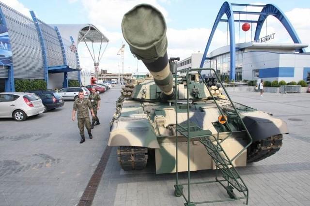 Czołg PT 72U to unowocześniona wersja Twardego.