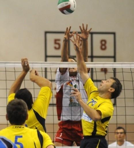 W lubuskich derbach II ligii meskiej siatkówki Olimpia Sulecin przegrala z Orionem Sulechów 1:3.