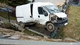 Groźny wypadek na DK 28 pod Mszaną Dolną. Osobówka wyrzuciła dostawczaka z drogi