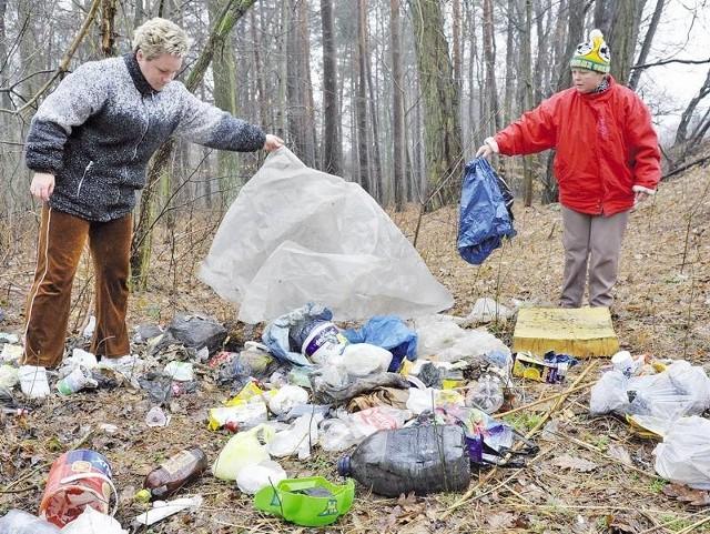 - Las to skarb. Trzeba o niego dbać. Ci, co śmiecą, muszą ponieść karę - mówią Renata Kunicka i Ewa Klepczyńska z Gostchorza.