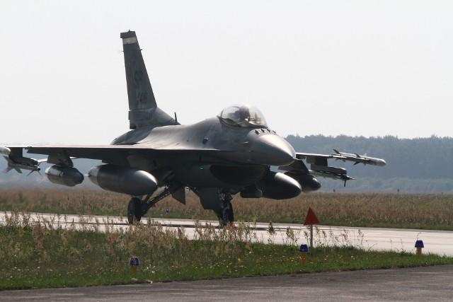 Zdjęcie ilustracyjne. Samolot F-16