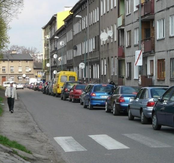 Wczoraj trzeba było się naczekać, żeby z ulicy Dworcowej wyjechać w Konopnickiej. Dzisiaj i jutro raczej lepiej nie będzie.