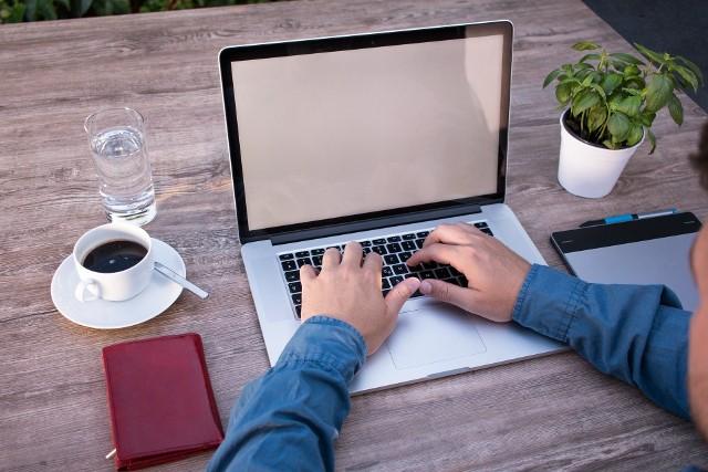 Poznaj podstawowe informacje o systemie e-deklaracje.