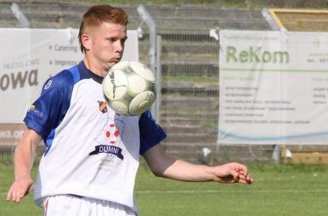 Sebastian Deja (przy piłce) jeśli trafi do MKS-u Kluczbork, to będzie grał w nim razem ze swoim o dwa lata młodszym bratem - Adamem.