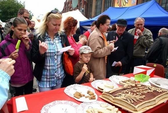 Oprócz dobrego jedzenia na odwiedzających czekają koncerty, turniej strzelecki czy pokaz ratownictwa Straży Pożarnej.
