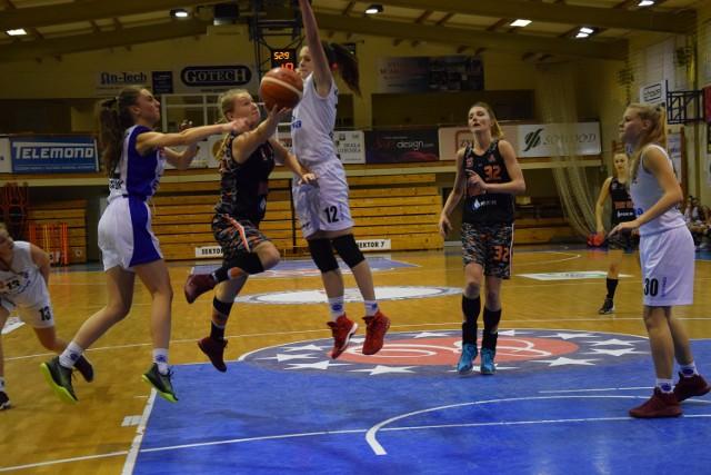 AZS AJP II Gorzów uległ Basketowi Aleksandrów Łódzki.