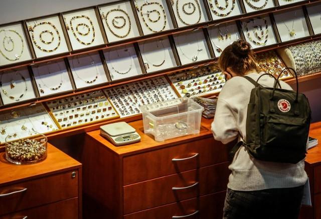 Wiele wskazuje na to, że cena srebra może pobić swój historyczny rekord – podobnie, jak zrobiło to złoto w 2020 roku.