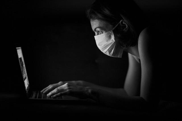 W związku z pandemią koronawirusa co dziesiąty Polak bardziej obawia się problemów finansowych niż zdrowotnych. Tak wynika z badania dla BIG InfoMonitor.