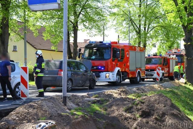 Wypadek w Opolu. Zderzenie opla z iveco na ulicy Strzeleckiej