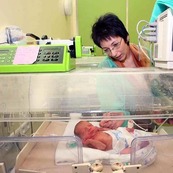 - Już nie mogę się doczekać, kiedy zabiorę moje maleństwa do domu - mówiła Anna Ważny czule żegnając się z dziećmi przed wypisem ze szpitala.
