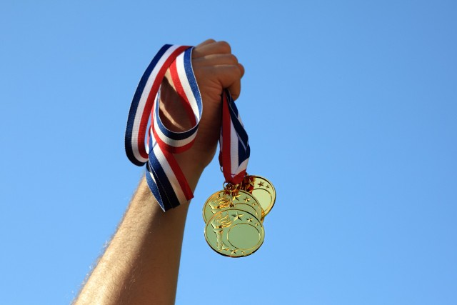 Na kolejne medale, które przywiozą polscy sportowcy z Tokio wciąż czekamy. W jakich dyscyplinach sportowych dotychczas Polacy zdobyli najwięcej medali olimpijskich?
