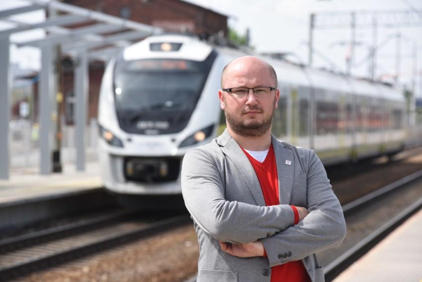 Dyrektor Lubuskiego Zakładu Polregio Krzysztof Pawlak nie kryje zadowolenia z podpisanego z dyrektorem PKS-u Zielona Góra Piotrem Pasterniakime porozumienia.