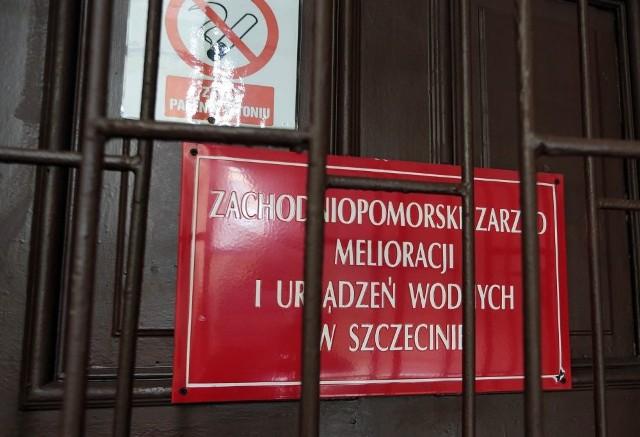 Zarzuty dla Tomasza P., dyrektora Zachodniopomorskiego Zarządu Melioracji i Urządzeń Wodnych w Szczecinie,